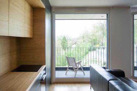 Black-Line-Apartment_Arhitektura-doo_dezeen_468_7