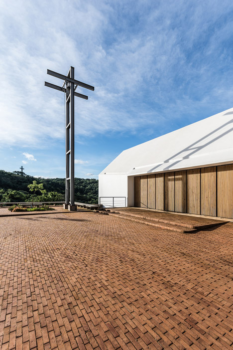 Capilla Santa Ana by Estudio Cella