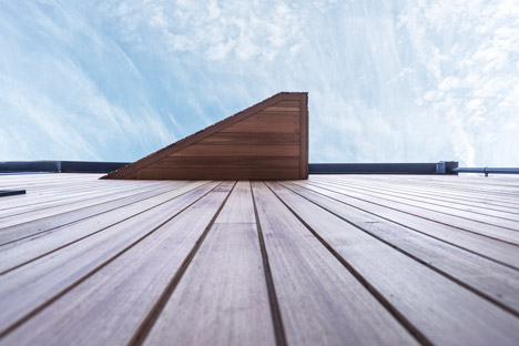 Cedar-Lodges-by-Adam-Knibb-Architects_dezeen_468_2