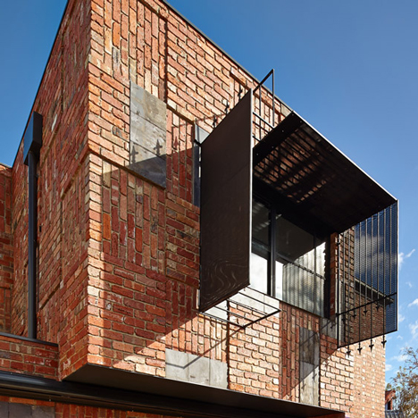 Cubo-House-by-Phooey-Architects_dezeen_784_0