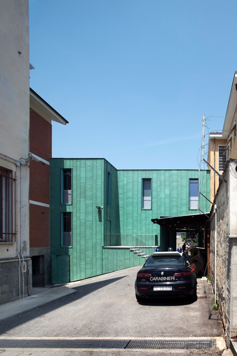 Expansion-of-the-Carabinieri-Station-in-Saluzzo-by-Maurizio-Bradaschia_dezeen_468_31