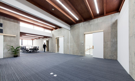 Katsuobushi Kumiai Office by Mizuno Architecture Design