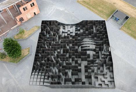Labyrint-by-Gijs-Van-Vaerenbergh_dezeen_468_19