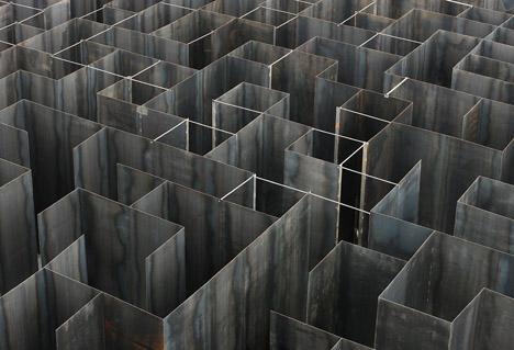 Labyrint-by-Gijs-Van-Vaerenbergh_dezeen_468_20