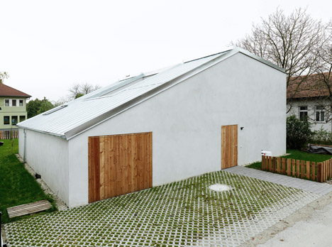 Triendl und Fessler Architekten plans low-cost family home around a secret courtyard