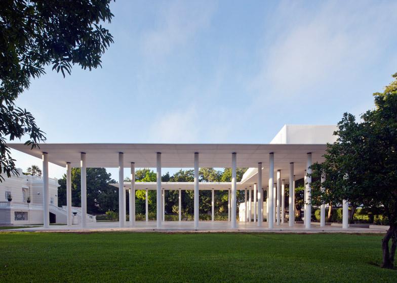 Montes Molina Pavilion by Materia Arquitectonica