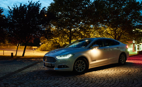 New Ford headlights threat detection can see roundabouts