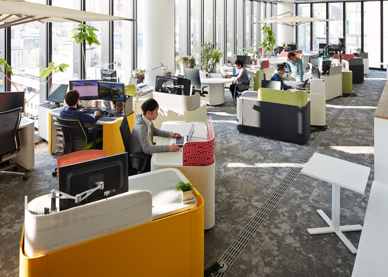 Osaka office by Nikken Space Design