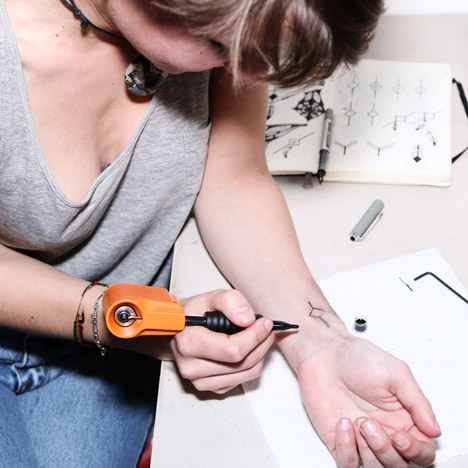 Jakub Pollág designs Personal Tattoo Machine for do-it-yourself body art