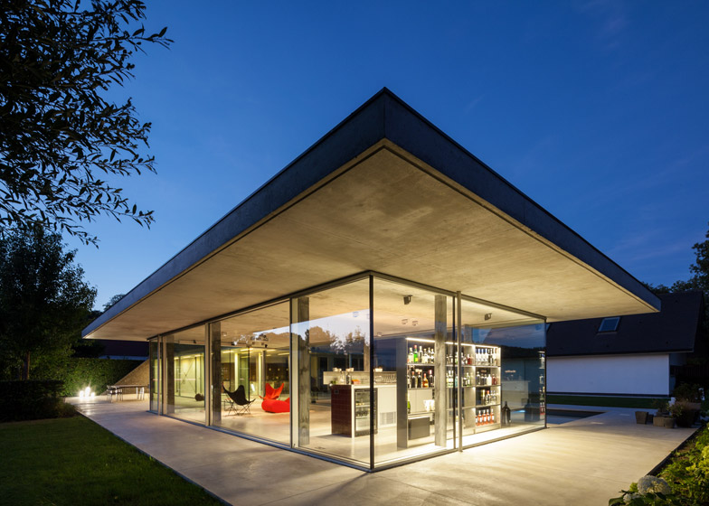 21 Of Poolhouse By Lieven Dejaeghere