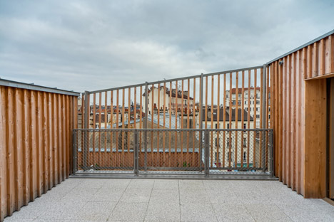 Rue-Auvry-housing-by-Tectone-Architectes_dezeen_468_23