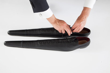 The-Excessively-Long-Shoes_Paulina-Lenoir_dezeen_468_21