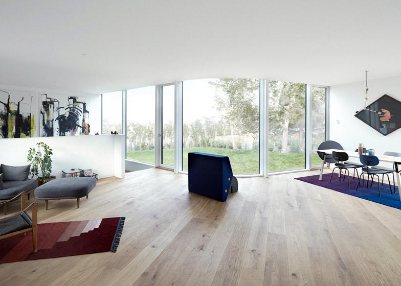 Villa One by EFFEKT