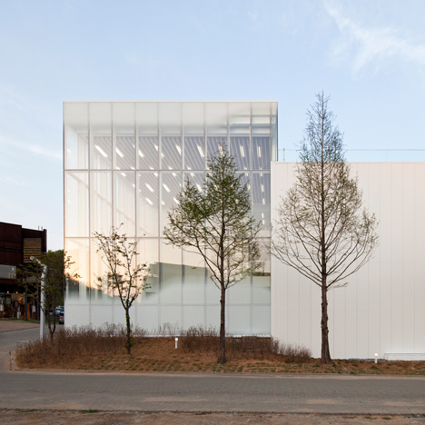 White-Block-Gallery_SsD_dezeen_sq