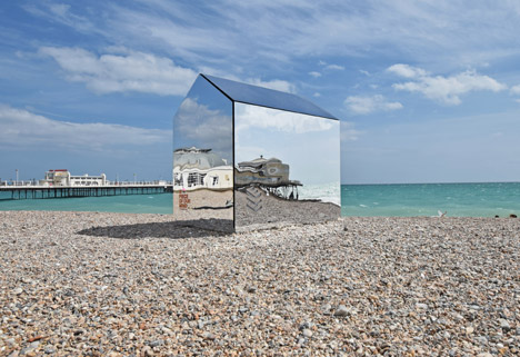 Worthing Beach by ECE Architecture