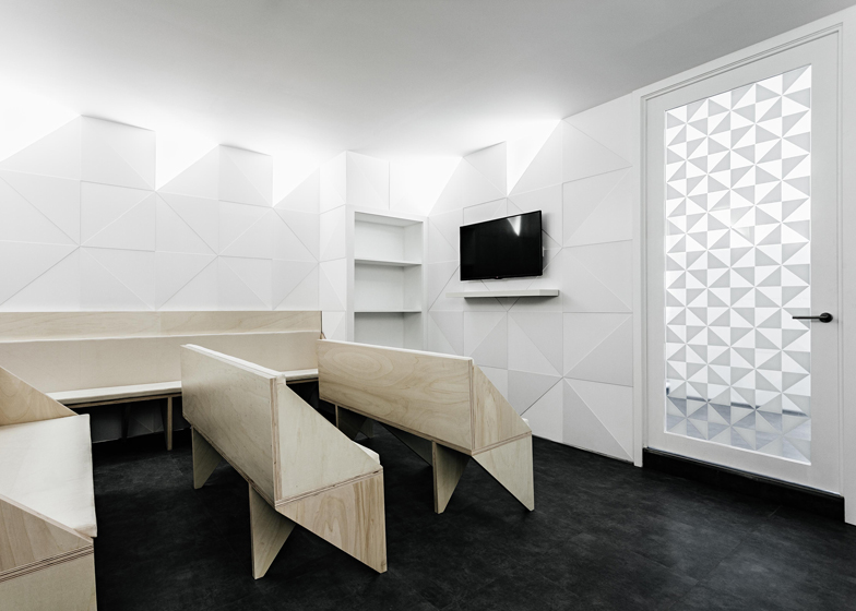 6 Of 6; Dental Clinic In Porto By Ren Pepe Arq. Office Interior Design