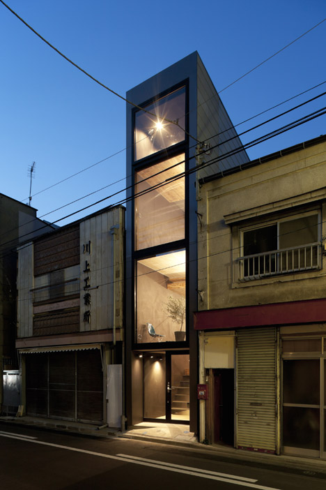 1.8 metre wide house by YUUA Architects & Associates