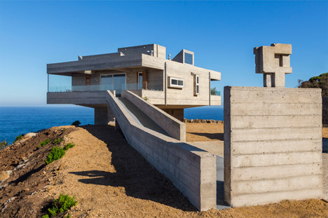 Victor Gubbins pays tribute to Le Corbusier with concrete beach house on the Chilean coast