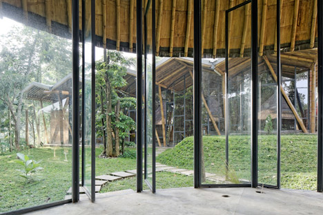 Dancing Mountain House Salatiga by Budi Pradono Architects