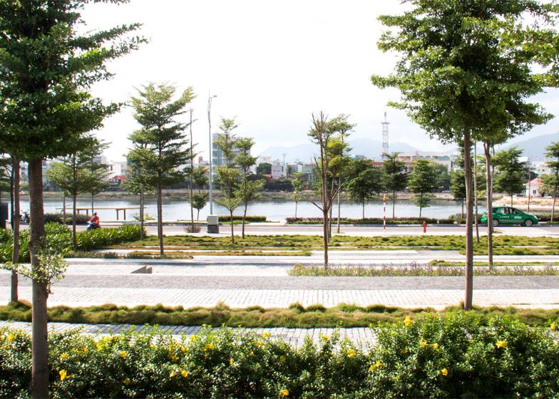 Dong Da Lakescape by MIA Design Studio