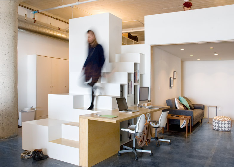 Toy loft office by CHA:COL