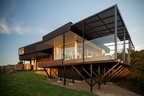 GB House by emA Arquitectos