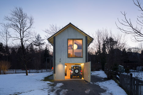 Holzhaus-am-Auerbach-by-Holiday-Architecture-winter_dezeen_468_38