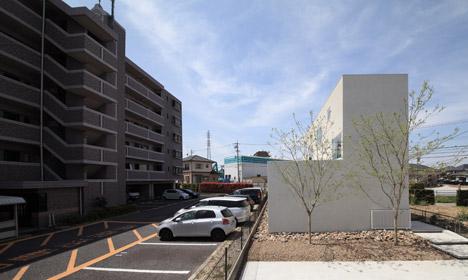 House-in-Yamanote-by-Katsutoshi-Sasaki_dezeen_468_0