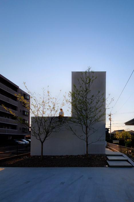House-in-Yamanote-by-Katsutoshi-Sasaki_dezeen_468_12