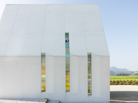 Maria-Magdalena-chapel-by-Sacher-Locicero-Architectes-photo-Paul-Ott_dezeen_468_4