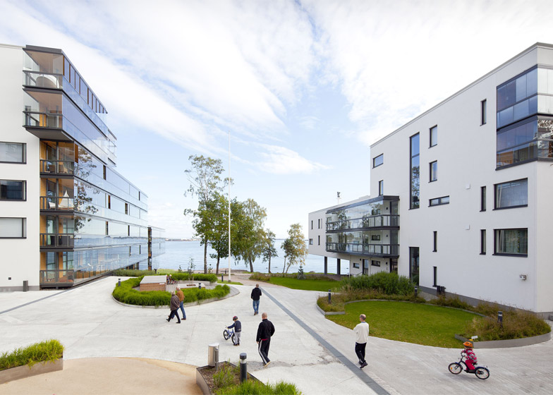 Merenkulkijanranta residential block by NRT Architects