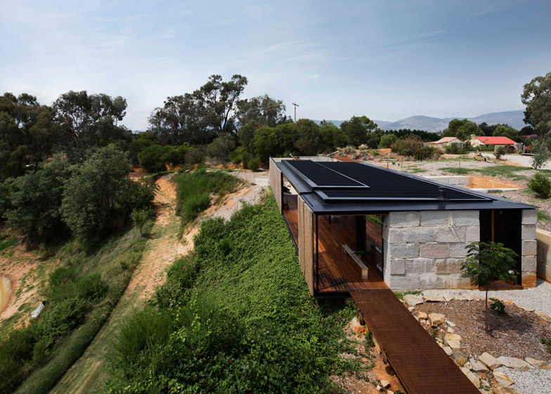 Sawmill House by Archier is built on an Australian gold mine