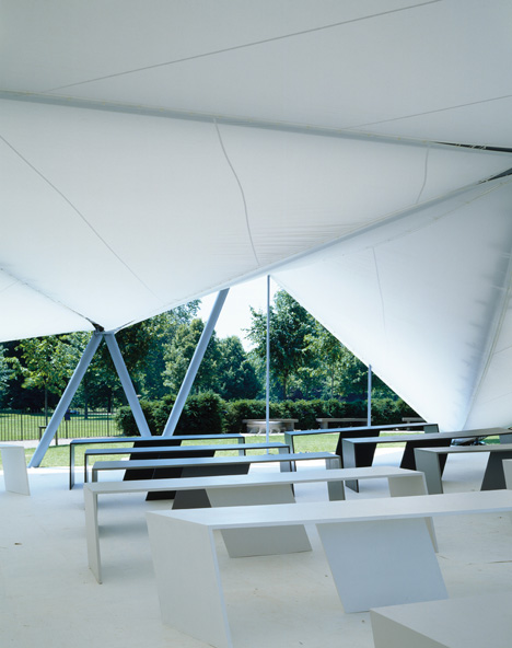 Serpentine Gallery Pavilion 2000 by Zaha Hadid