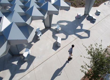 Shadow-Play-by-Howeler-and-Yoon-Architecture_dezeen_468_6