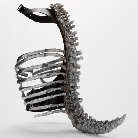 Spinal Corset by Shaun Leane for Alexander McQueen. Image courtesy of the V&A