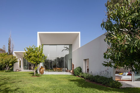 T/A House by Paritzki &amp Liani Architects