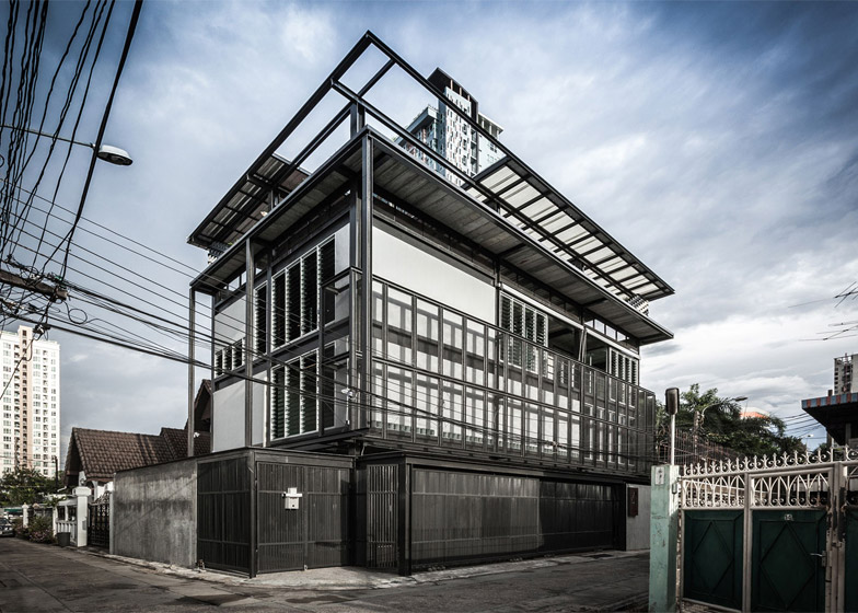 Jun sekino designs tinman house around steel structure for House structure design