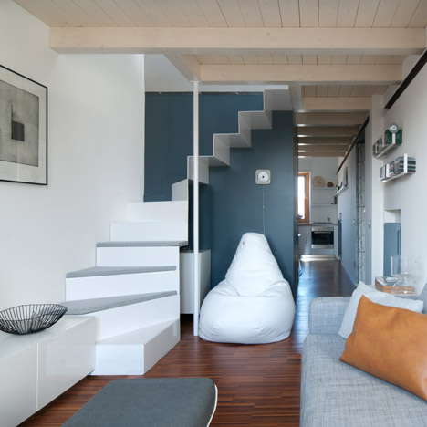 Tiny-Milan-Apartment-by-R-piuerre_dezeen_sqa