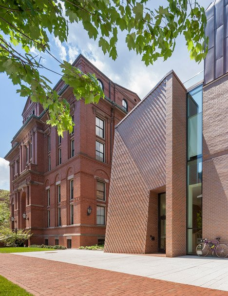 Kennedy & Violich adds copper-clad volume to the top of a Harvard building