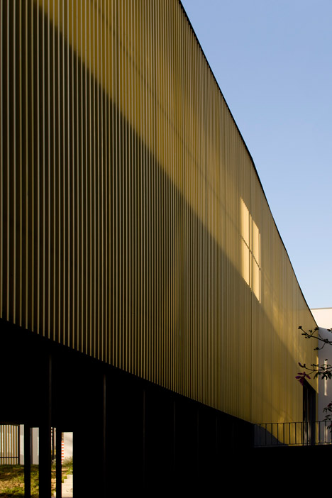 Vergilio-Ferreira-High-School-by-Atelier-Central-Arquitectos_dezeen_468_21