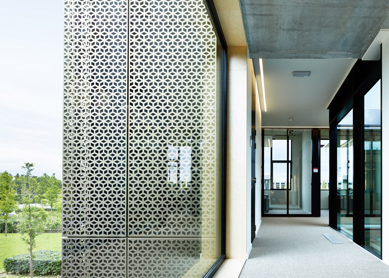Vives service student facilities by AVDK
