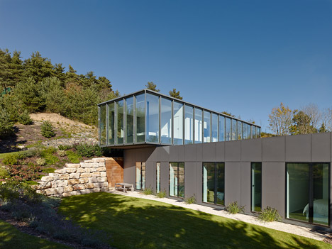 werner sobek 39 s y1 house is built on top of a former sand mine. Black Bedroom Furniture Sets. Home Design Ideas