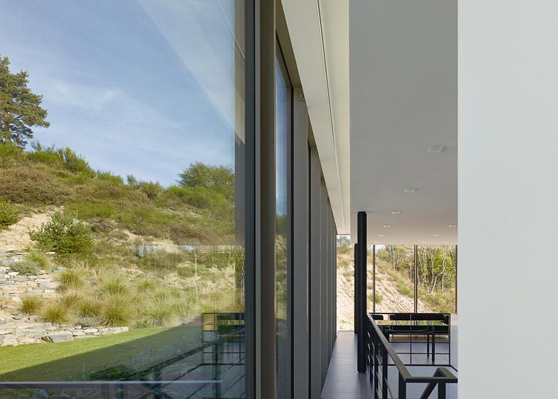 Wohnhaus Y1 by Werner Sobek Group