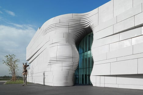 Facade of Yinchuan Art Museum references a Chinese river