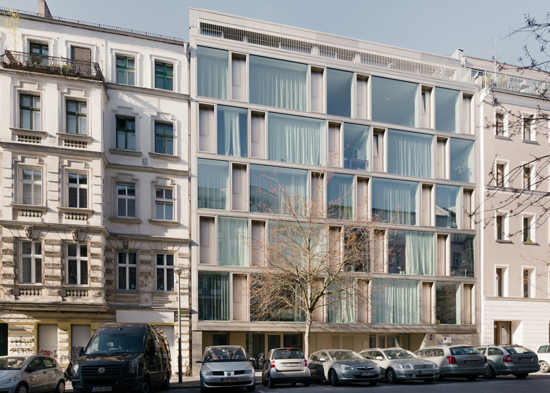 Building cooperative cb19 by Zanderroth Architekten