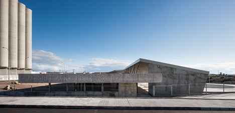 Caceres-bus-station-by-Isabel-Amores-and-Modesto-Garcia_dezeen_468_1
