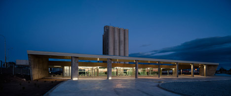 Caceres-bus-station-by-Isabel-Amores-and-Modesto-Garcia_dezeen_468_2