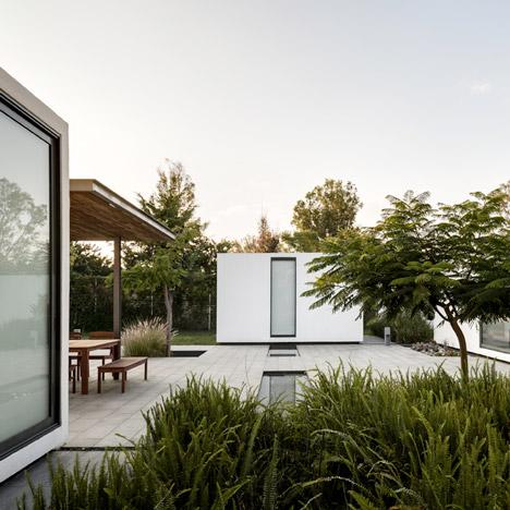 Casa 414 by ASD