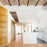 Cavaa Arquitectes exposes vaulted ceiling inside revamped Barcelona apartment