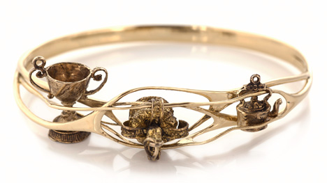Collect 3D-printed gold bangle by Lionel T Dean, manufactured by Cooksongold